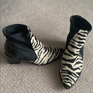 Tibi Zebra ponyhair booties